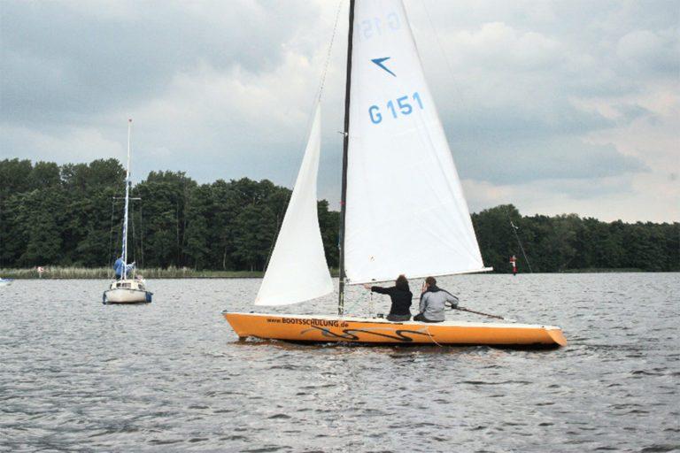 Segelboot Maße